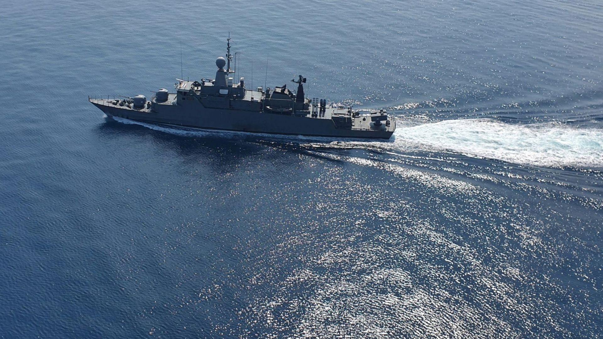 """""""Приятелска"""" ракета удари ирански кораб в Оманския залив, много убити и ранени"""