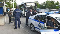 Първи глоби в градския транспорт в София на пътници без маски (снимки)