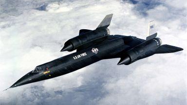 Шпионският самолет, на който Илон Мъск кръсти сина си (галерия)