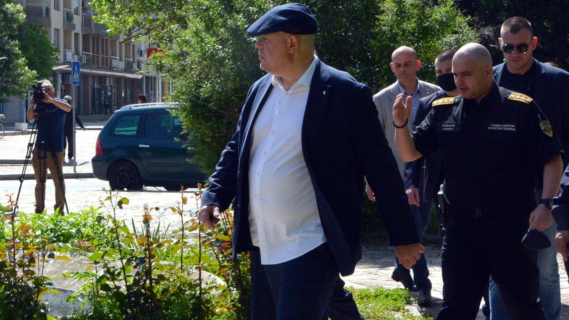 Иван Гешев: Арестуваните от ГДБОП са помагали на всички, които си плащат