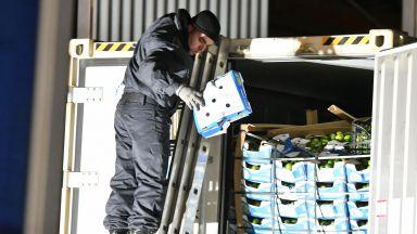 Бившият митничар №1 в София остава в ареста заради 500-те кг кокаин от Колумбия
