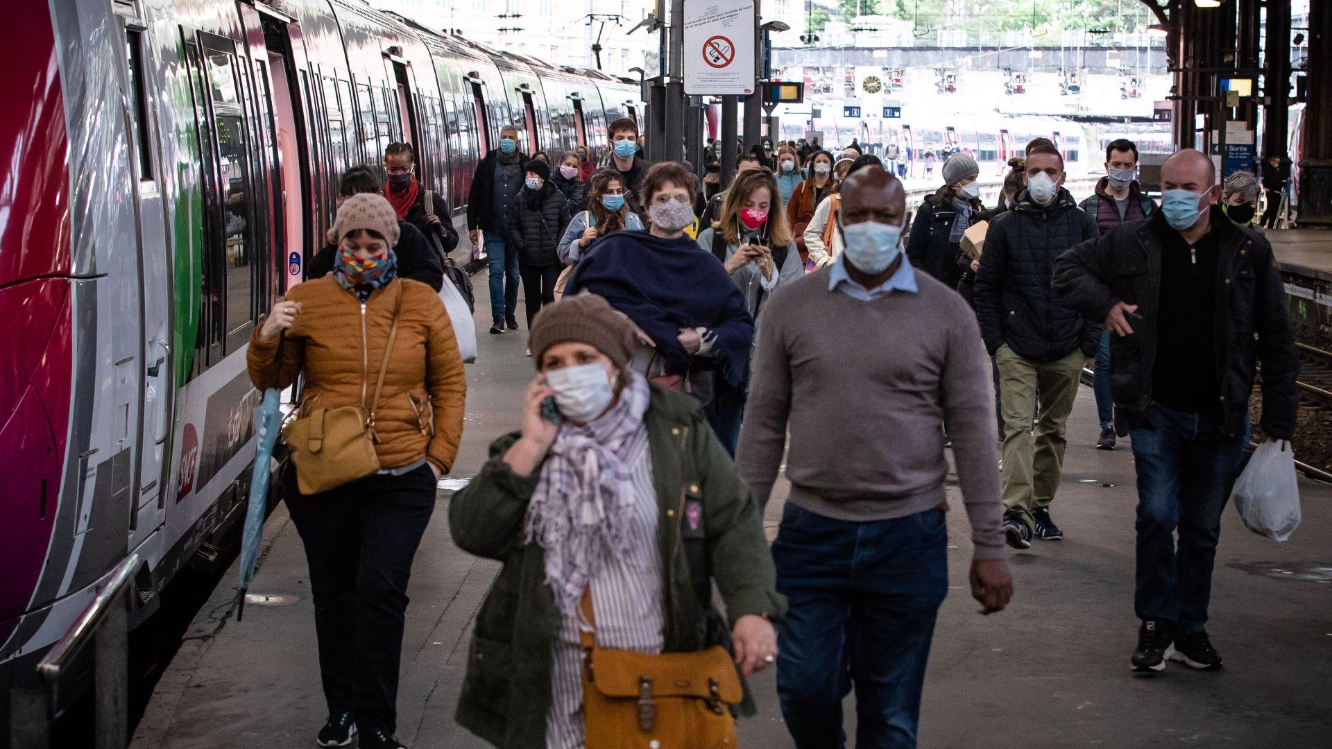 Франция въведе глоба от 135 евро за хвърляне на предпазна маска на улицата