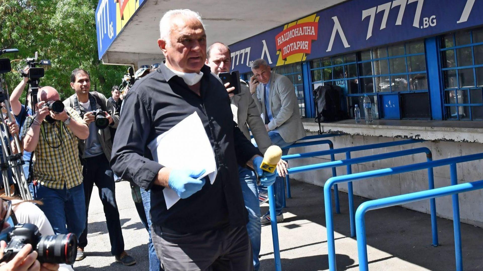 """Сагата с """"Левски"""" продължава: Диков  даде акциите на директора на клуба"""