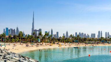 Дубай отваря плажове и обществените паркове