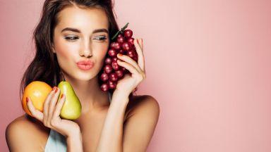 Жените и високообразованите хора консумират повече плодове