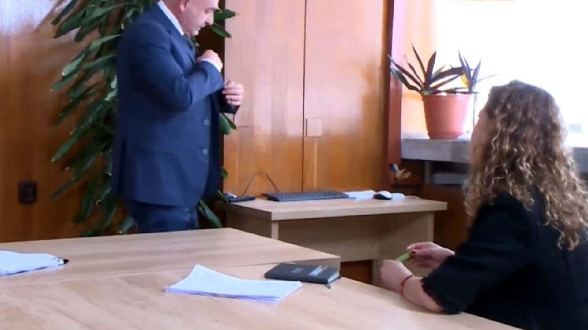 Мутафчийски не издържа: Очаквам да измрат много хора! Яко да измрат! (видео)