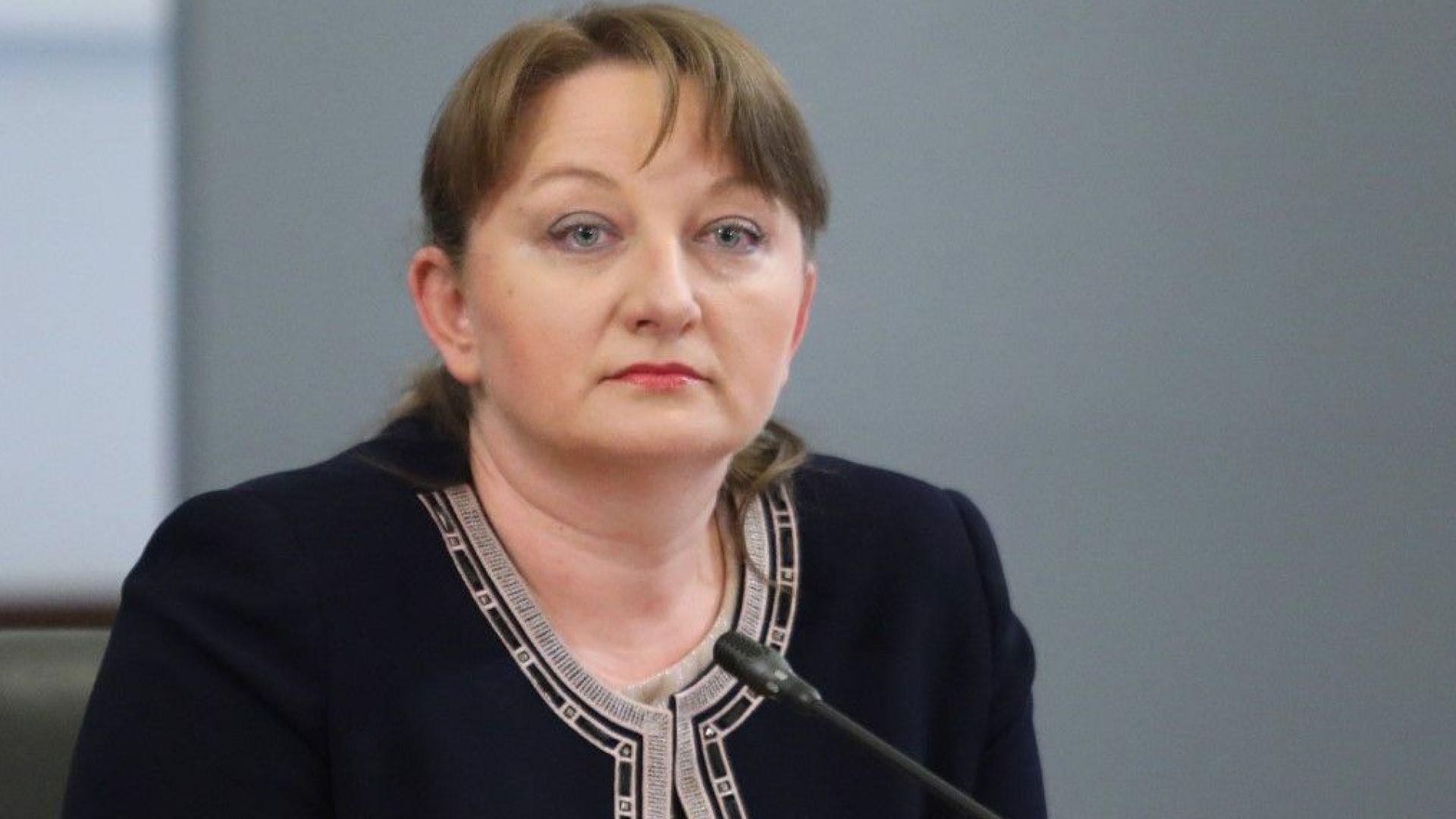 Сачева лансира нова мярка: по 290 лева за работник на автобусен превозвач