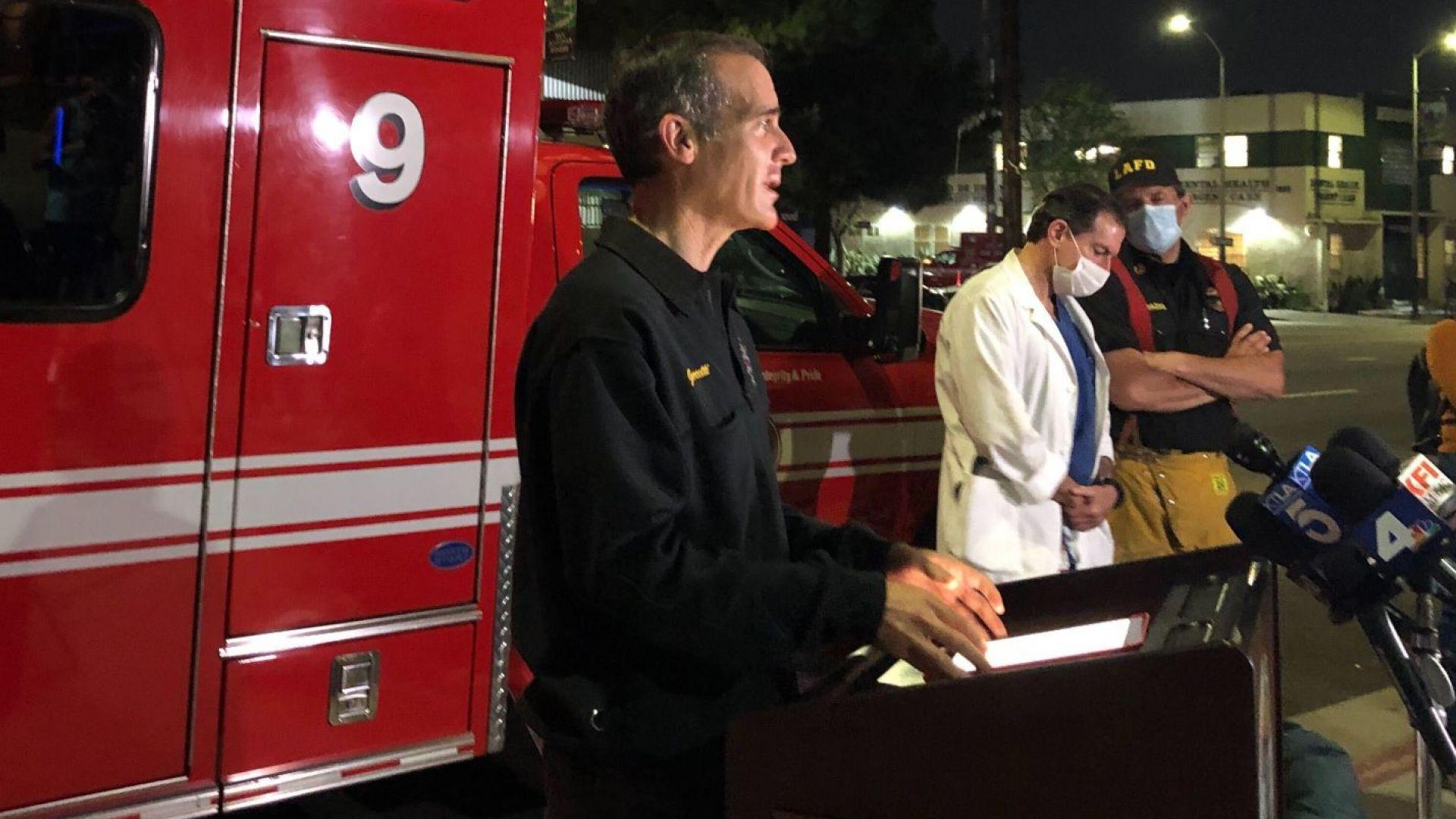 Най-малко 11 огнеборци са пострадали днес при експлозия по време