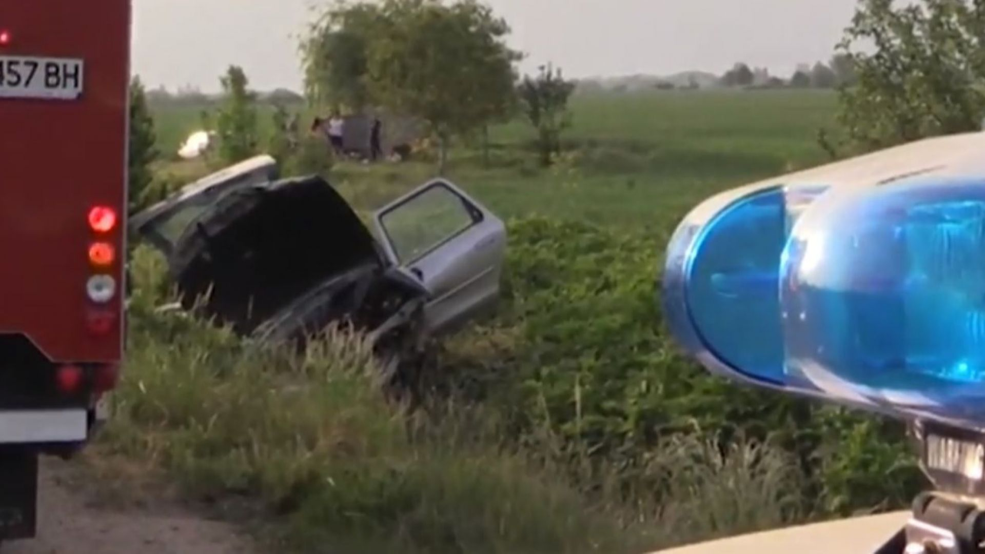Четиричленно семейство в болница след катастрофа на Подбалканския път