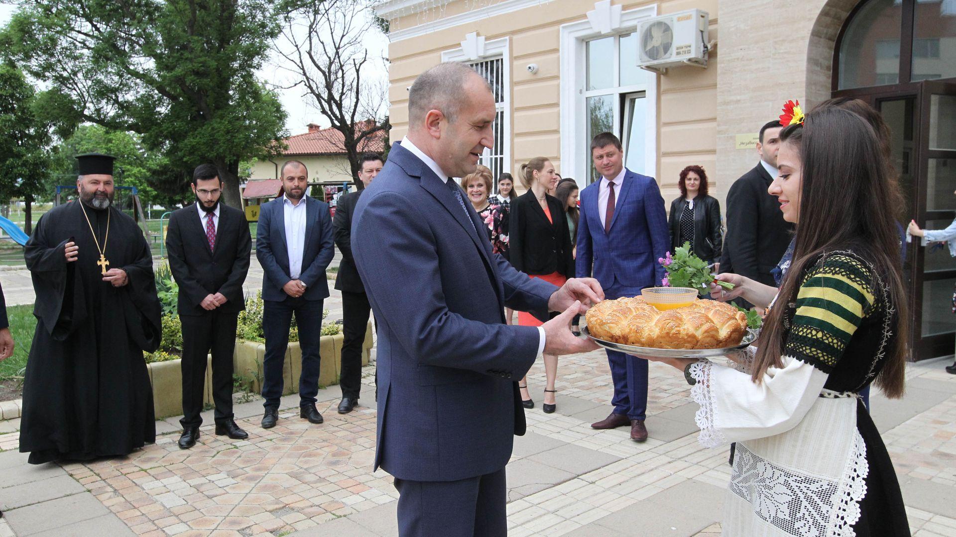 Президентът: Ако аз управлявах, нямаше да се краде, при Борисов на власт и смъртността расте