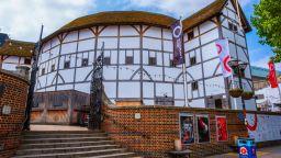 """Шекспировият театър """"Глоуб"""" - застрашен от закриване"""