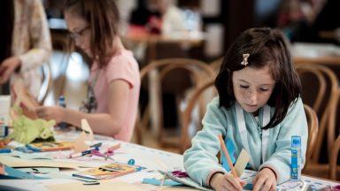 Популярни личности водят безплатни онлайн работилници за деца