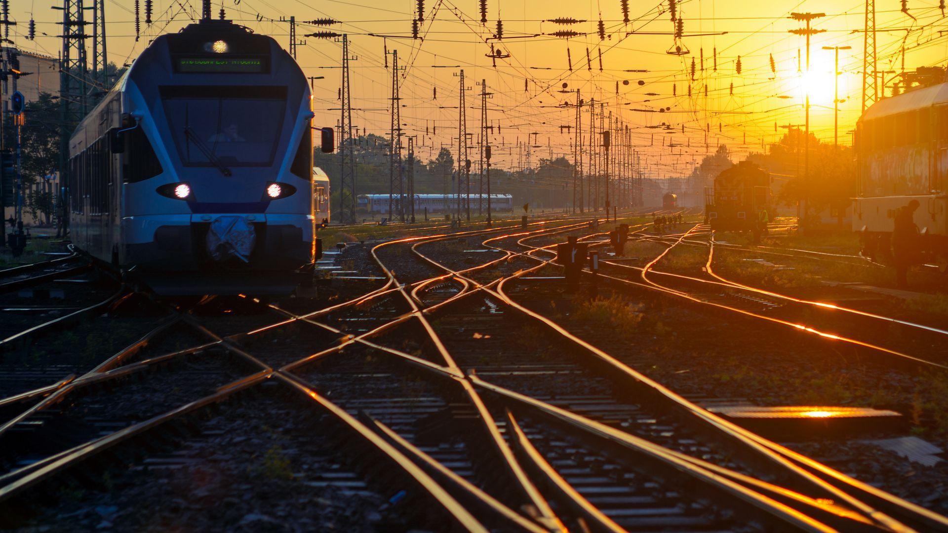 Унгария засекретява договора с Китай за жп линията с Белград