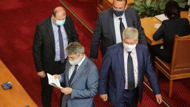 Карадайъ: Проблем в Росенец няма, тази война ще доведе до конституционна криза
