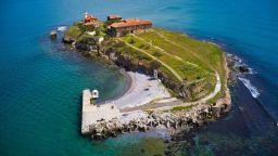 Остров Света Анастасия се готви за празника си на Голяма Богородица