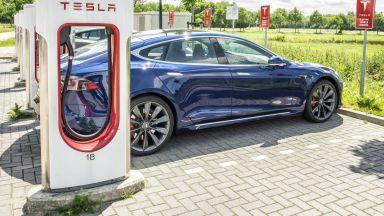 Едно зареждане на автомобил Tesla в Тексас струва 900$