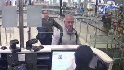 Екстрадират в Япония американците, заподозрени за бягството на Карлос Гон
