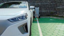 Монтират в Бургас 50 зарядни станции за електрически коли