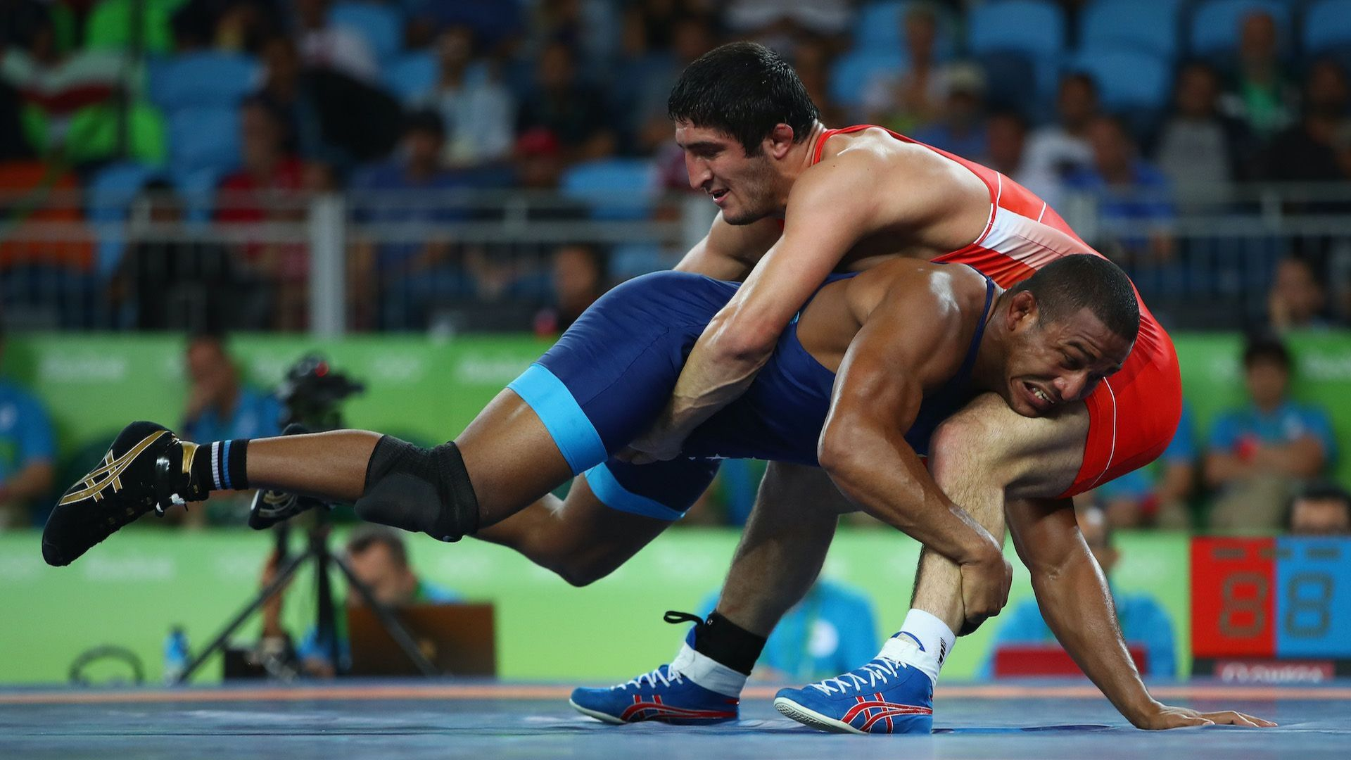 Коронавирусът не подмина и олимпийски шампион