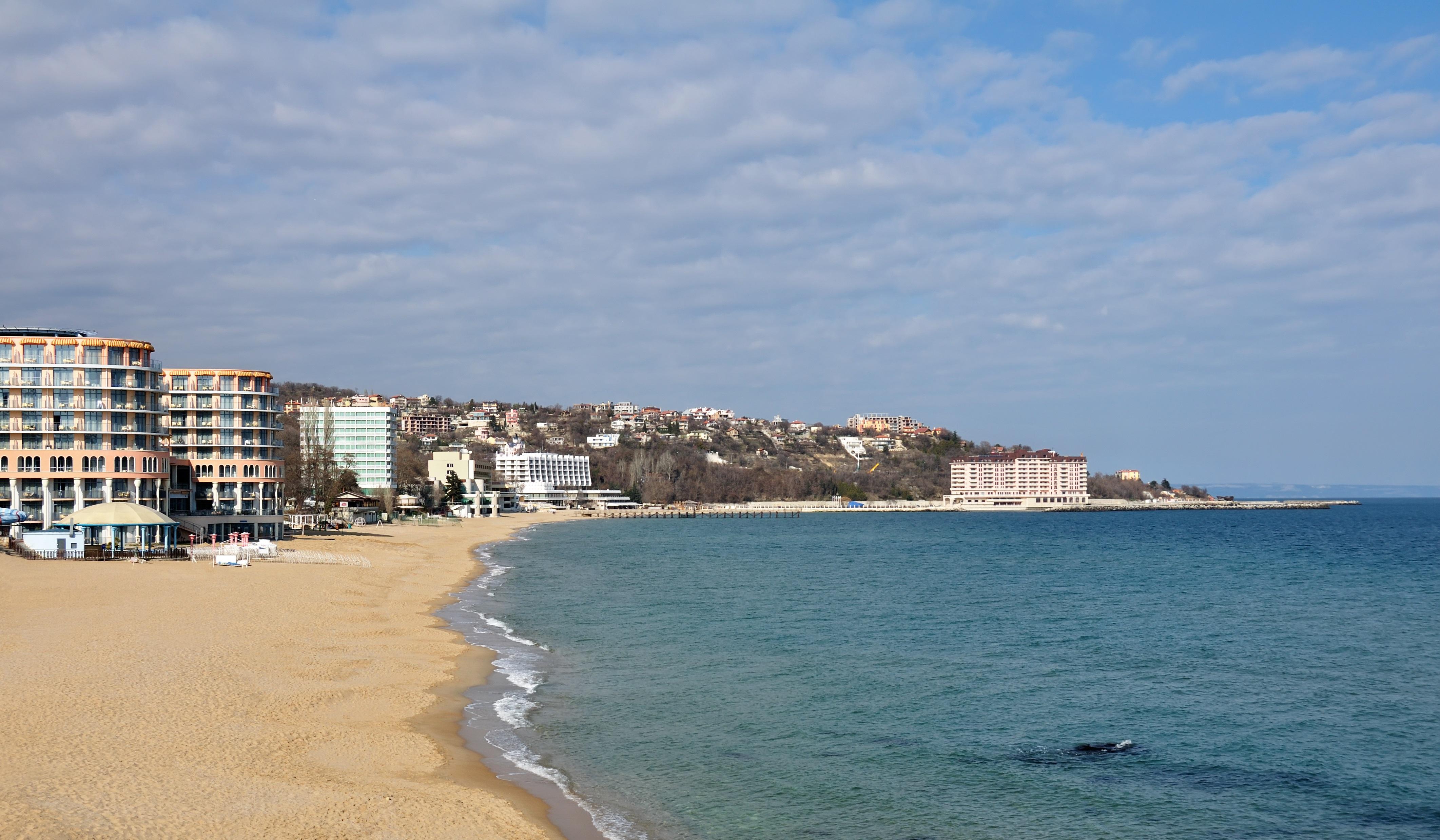 Масово анулиране на резервации на румънски туристи по Северното Черноморие.