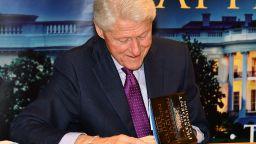 Бил Клинтън издава втория си роман