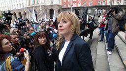 Мая Манолова поведе протест на жълтите павета и обяви, че ще се яви на избори (снимки/видео)