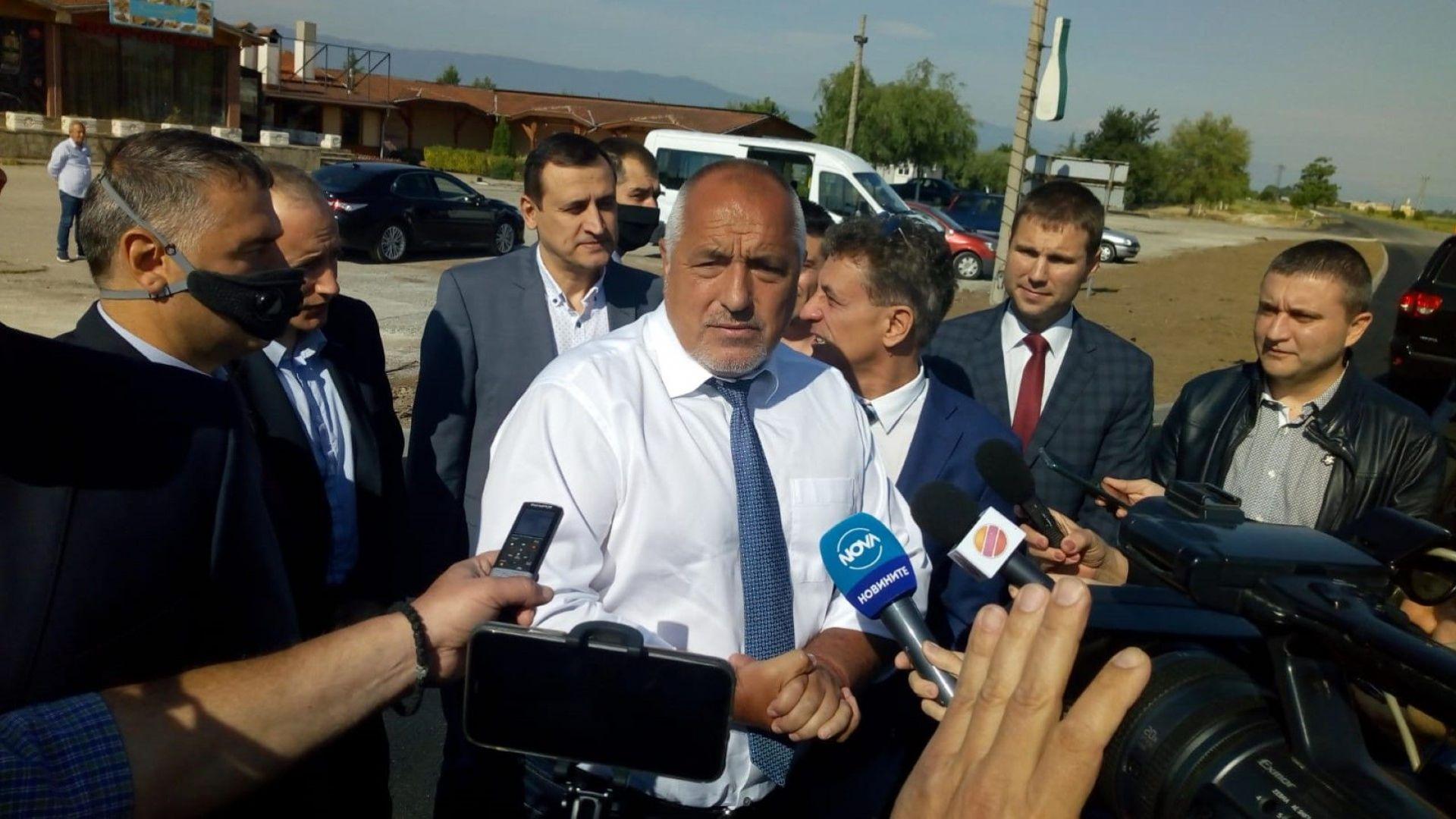 Бойко Борисов инспектира ремонта на пътни отсечки в Пазарджик