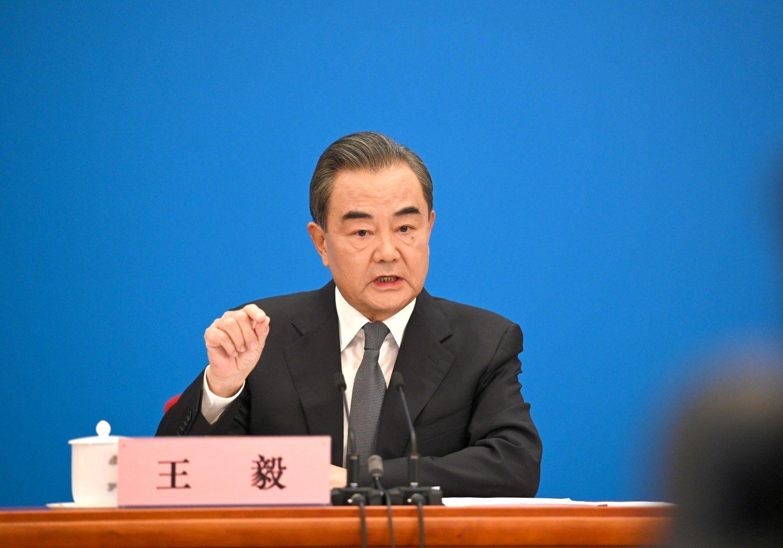 Ван И: Китай няма никакви намерения да промени или да замени САЩ. Време е САЩ да се откажат от намеренията си да променят Китай