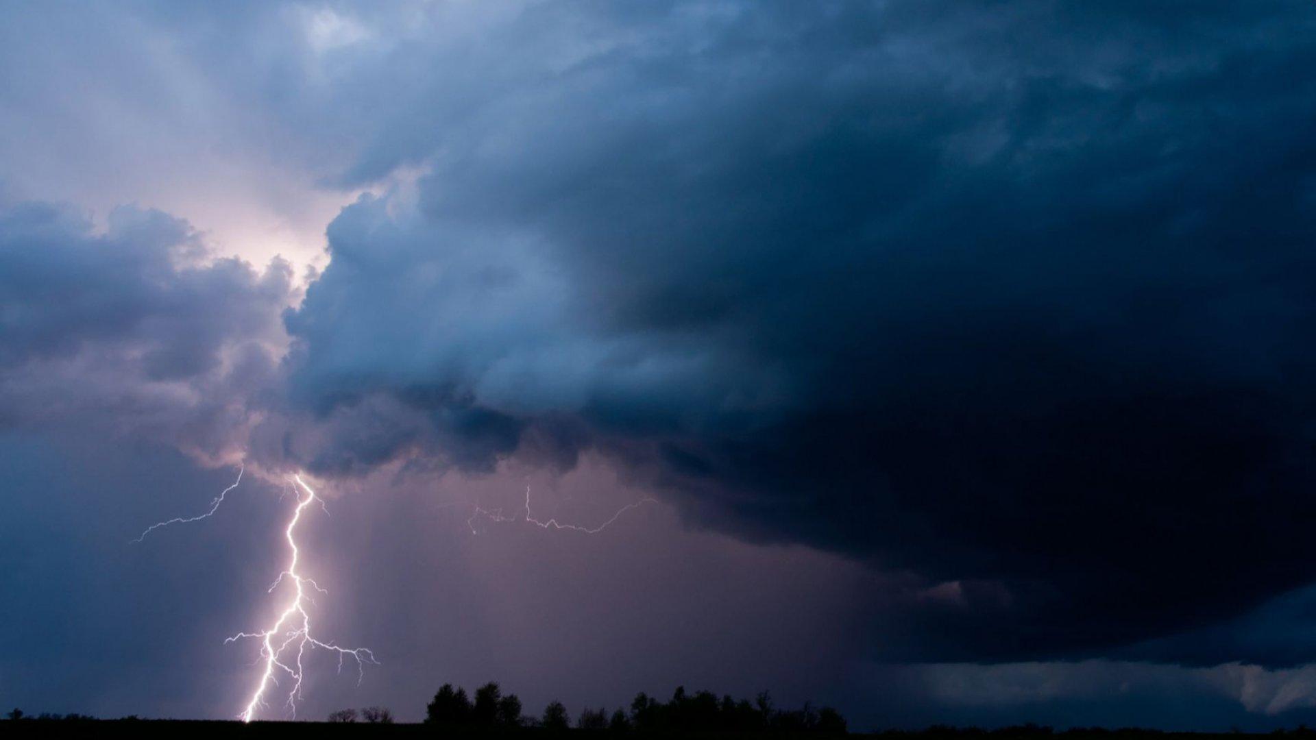 Прах от Африка над Балканите, у нас ще вали цветен дъжд