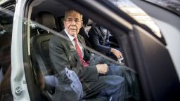 Полицаи хванаха президента на Австрия в нарушение на правилата срещу вируса