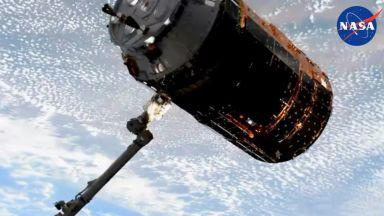 """Японският безпилотен космически кораб """"Конотори 9"""" започна скачване с МКС (видео)"""