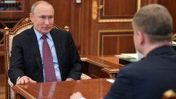 Путин се завърна в Кремъл, след почти два месеца в резиденцията си в Ново Огарьово