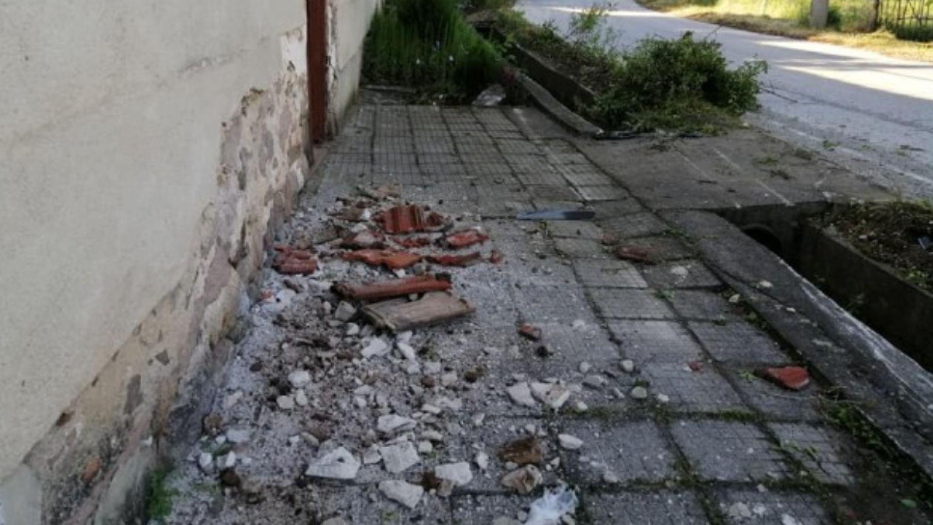 Шофьорката, помела четири жени на тротоар в село Дебръщица, е