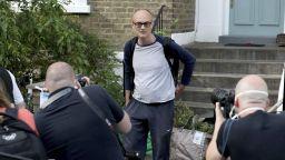 Министерска оставка в знак на протест срещу съветника на Борис Джонсън, нарушил мерките