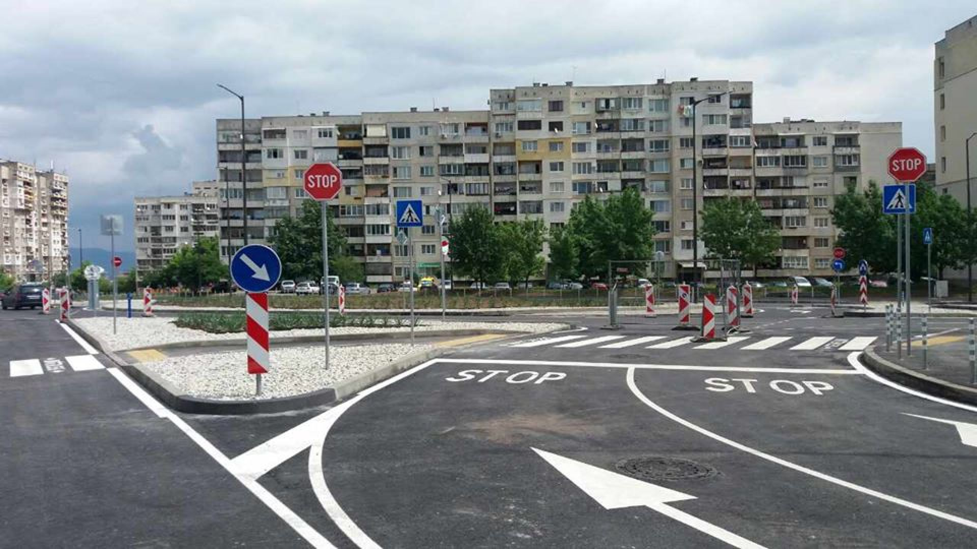 Движението по около 650 метра от новоизградения бул.