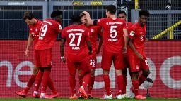 Брилянтен гол реши немското дерби и приближи Байерн до осма поредна титла