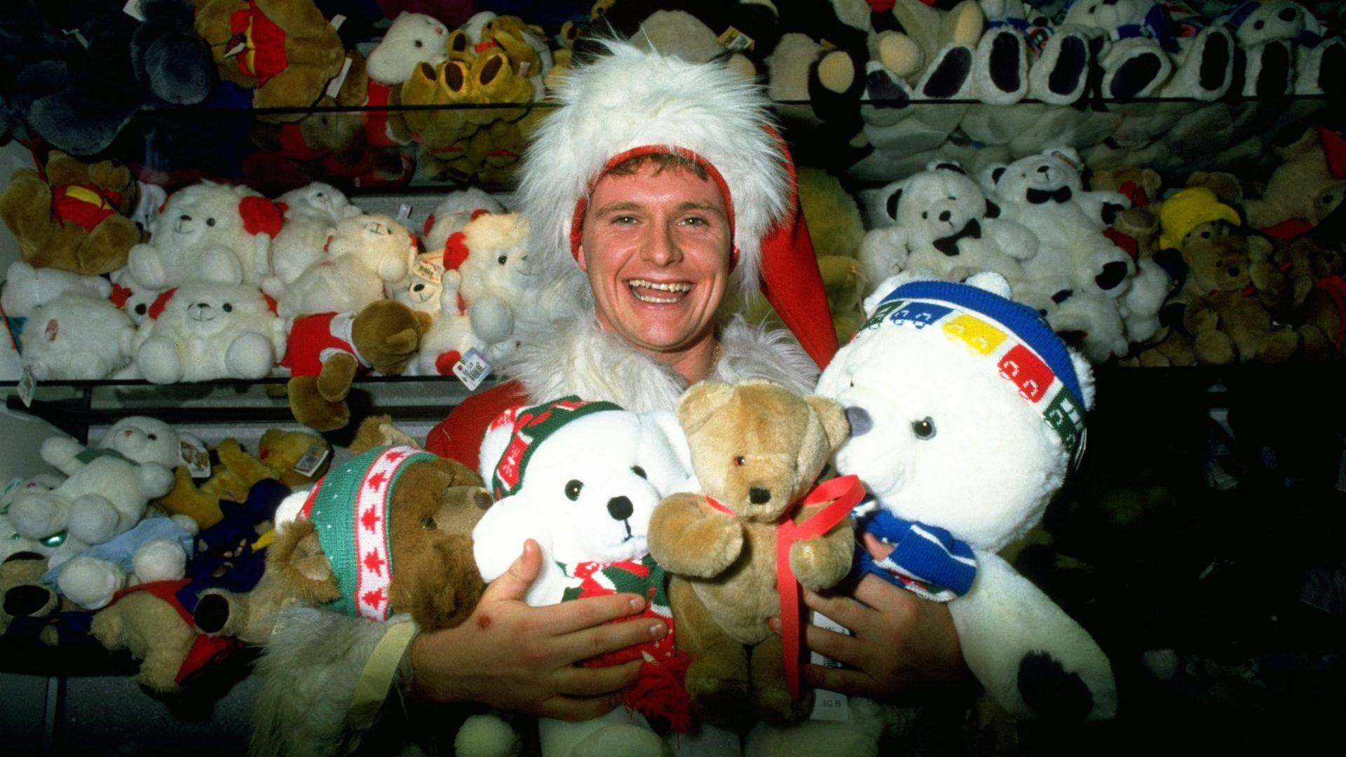 Аз съм Дядо Коледа. Хо-хо-хо. Лудият свят на неповторимия Пол Гаскойн (Галерия)