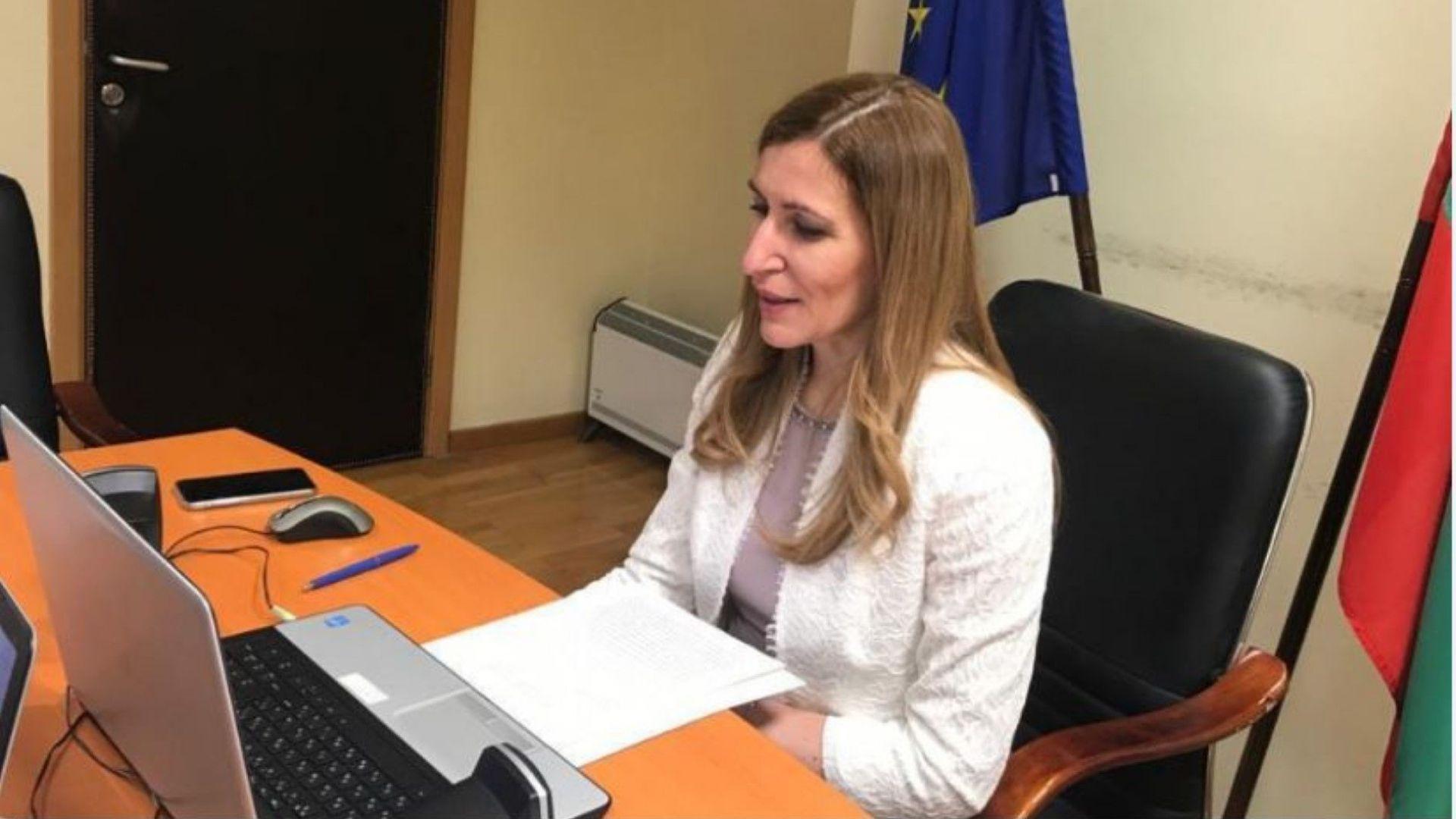 Ангелкова обяви пред ЕС, че България ще стартира туристическите пътувания