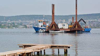 270 м от тръбопровода във Варненското езеро е разкъсан от механично въздействие