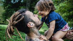 Venci Venc' за дъщеря си: Трябва само да се съсредоточиш върху яркия лъч светлина, пробиващ облаците