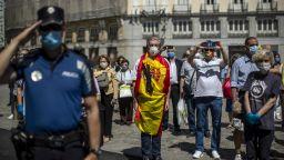 С минута мълчание започна десетдневният траур в Испания (снимки)