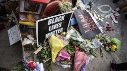 Бунтове в САЩ заради убит от полицията арестуван мъж (видео)