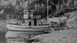 """Потъналият кораб """"Тангра"""" изплува от водите на язовир """"Тича"""""""
