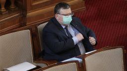 Парламентът прие доклада на КПКОНПИ след спор между БСП и Сотир Цацаров