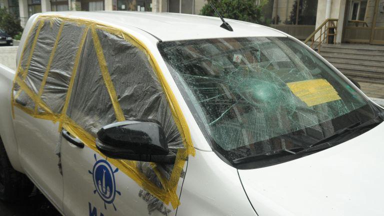 Хванаха бракониерите, потрошили автомобил на ИАРА (снимки)