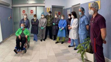 След 65 дни в реанимация леля Здравка е рекордьор сред излекуваните