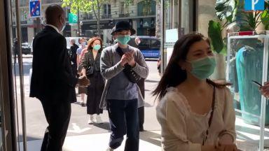 Опашки се извиха пред парижкия магазин Прентан (видео)