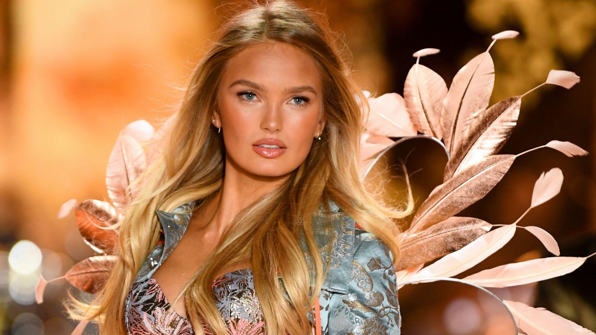 Въпреки лекарските прогнози, моделът на Victoria's Secret - Роми Стрийд, е бременна