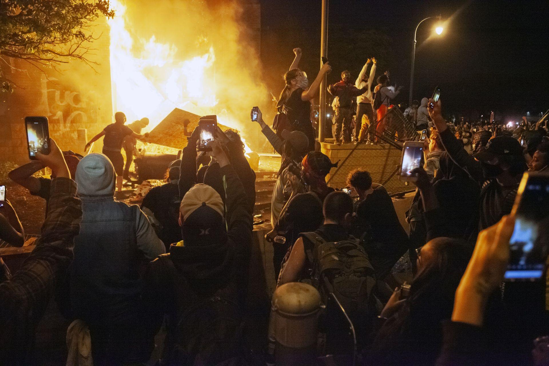 Протестите в Минааполис