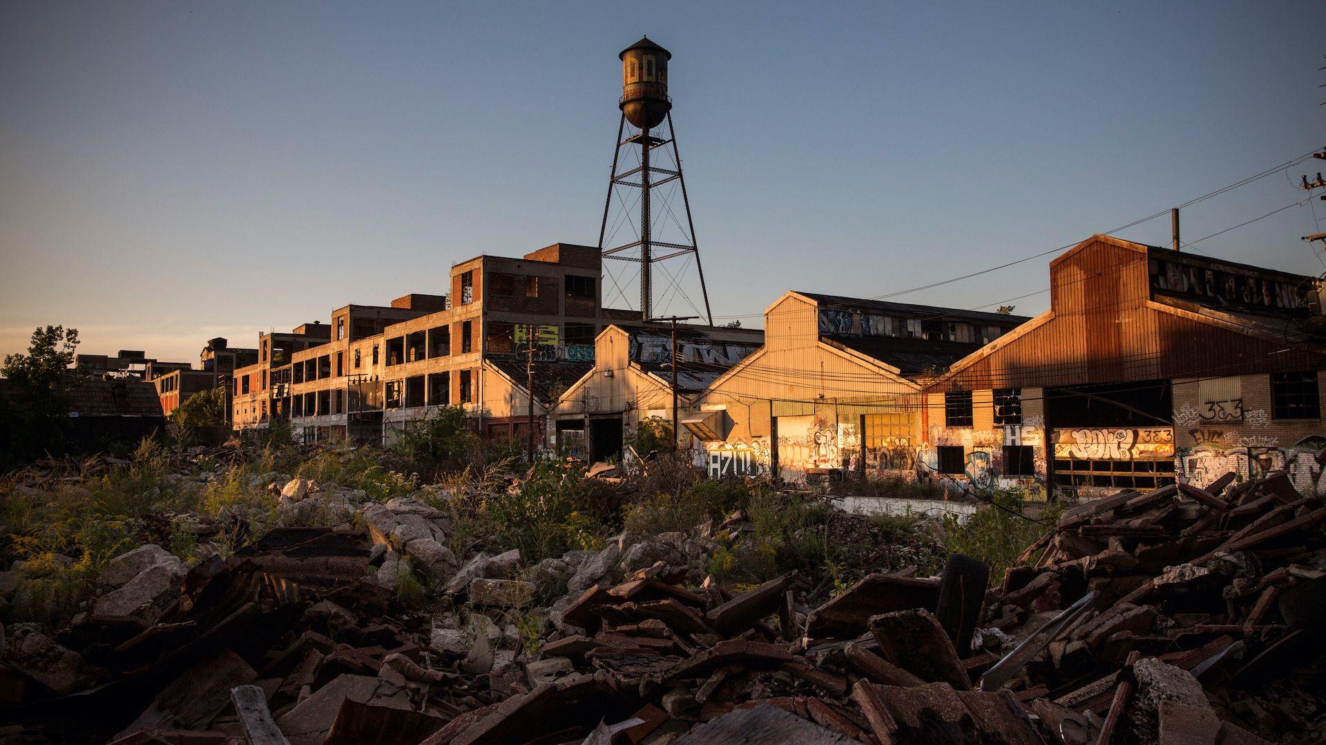 От руините към върха: Футболният клуб, който вдъхва живот на цял град